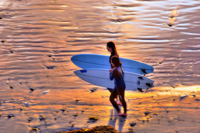 Surf-Girls.jpg